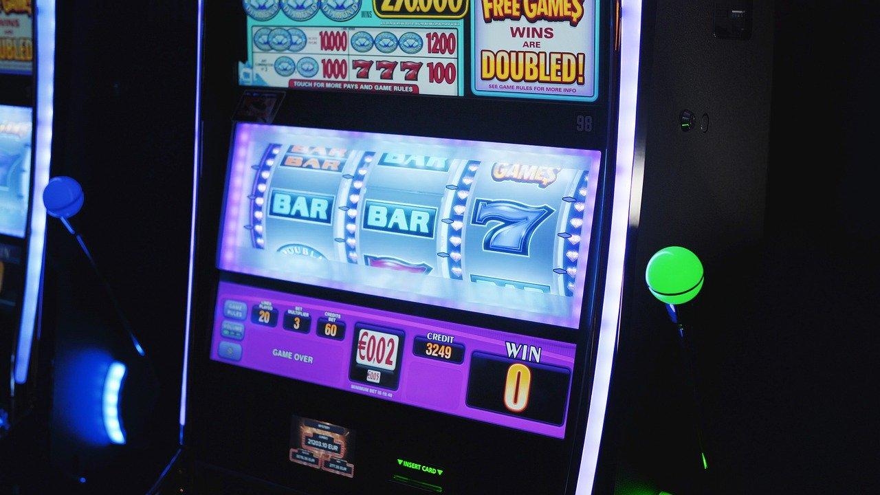 7 Slots Machines Cheats - Art Creative Ltd